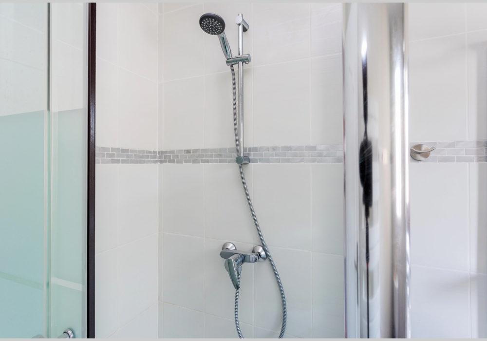 villa cassin montpellier salle de bains douche